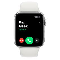 Apple Watch Series 4 GPS, 44mm, корпус из алюминия серебристого цвета, спортивный ремешок белого цвета