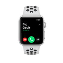 Apple Watch Series 3 Nike+ GPS, 38mm , серебристый алюминиевый корпус, спортивный браслет цвета «чистая платина/чёрный»